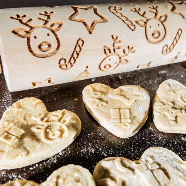 Grawerowany wałek do ciasta - wzór świąteczny renifery