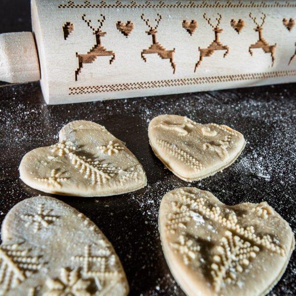 Grawerowany wałek do ciasta - wzór świąteczny sweterek